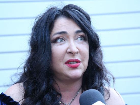 Лолита заявила, что СБУ пририсовала ей чужую грудь