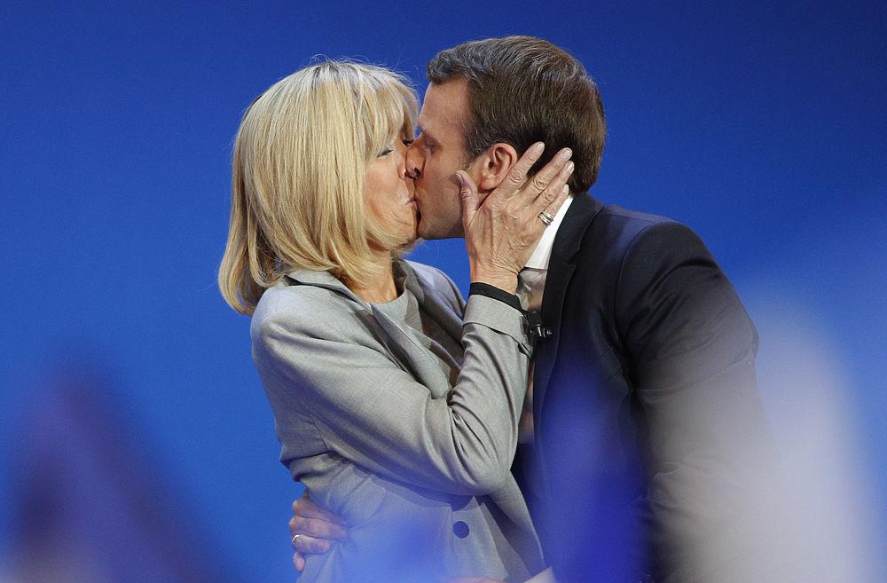 Молодой Макрон и его пожилая жена: президентские выборы во Франции
