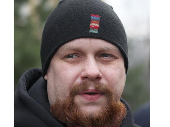 Обвиненного в экстремизме националиста Демушкина приговорили к 2,5 годам колонии