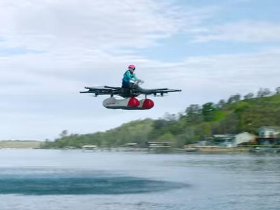 Транспортное средство предназначено для движения над водой