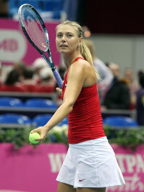 В первом матче Мария победила Винчи в двух сетах