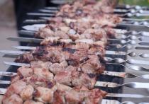 Советами по выбору мяса для любителей шашлыка в преддверии майских праздников поделился Росстандарт