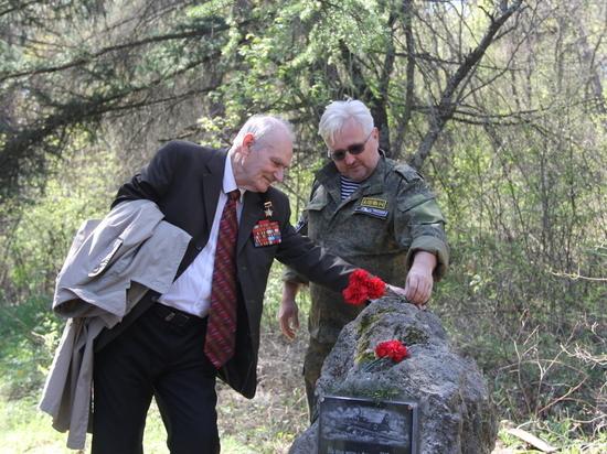 Севастопольские поисковики нашли пулеметный дот и обломки штурмовика Ил-2