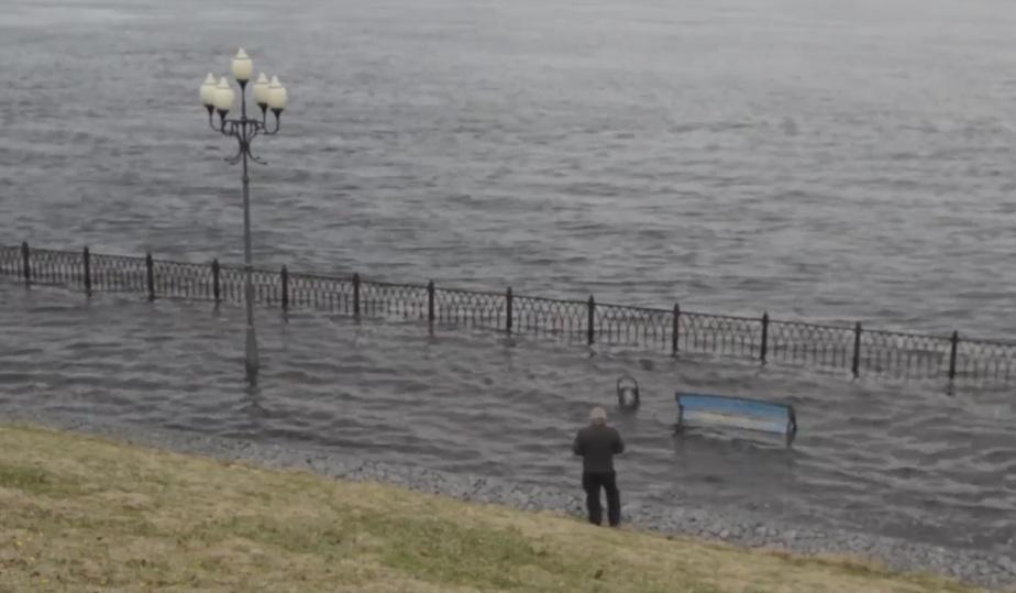 неприятное смотреть фото затопления набережной в рыбинске есть бизнес под
