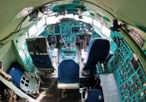 Источник сообщил, что следствие о крушении военного самолета Ту-154 возле Сочи продлено на два месяца, до 25 июня