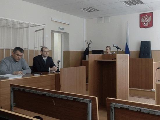 В Республике Коми идет суд над экс-референтом Службы по тарифам, обвиняемом в получении крупной взятки