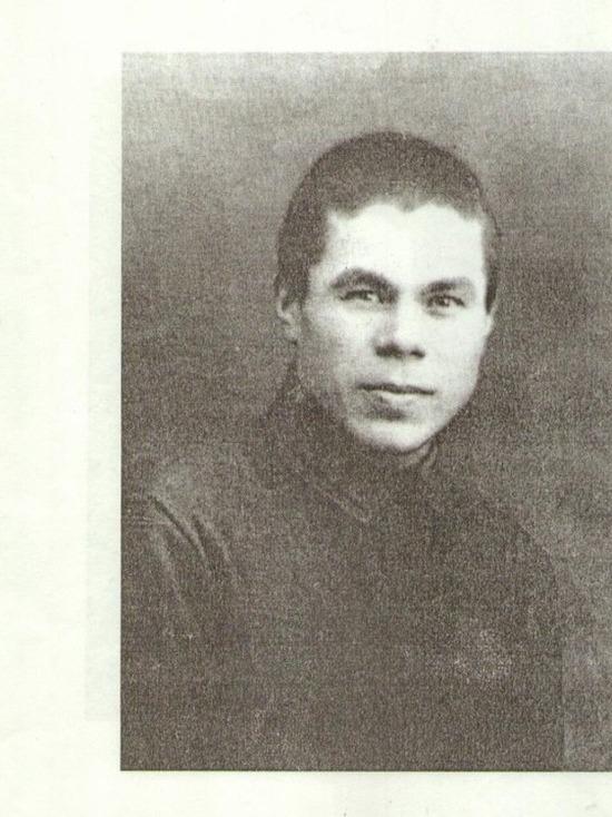 Накануне Дня Победы в национальной галерее «Хазинэ» прошел вечер памяти татарского поэта-фронтовика Фатиха Карима