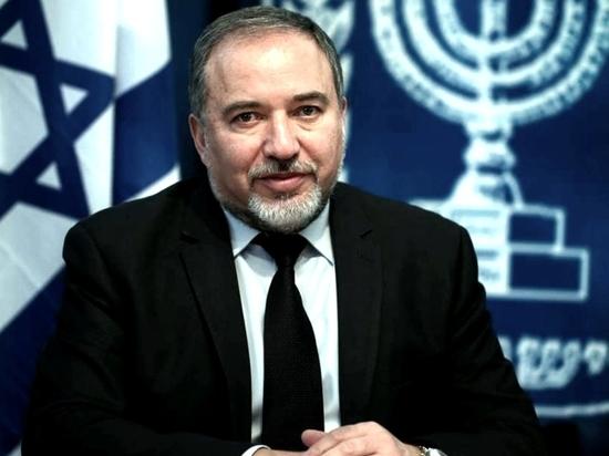 Министр обороны Израиля поздравил ветеранов войны с Днем Победы по-русски