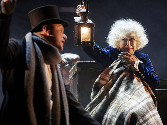 Театр Маяковского представил комедию «Бешеные деньги»
