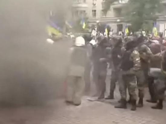 Задержано более 50 националистов, около 20 человек получили ранения