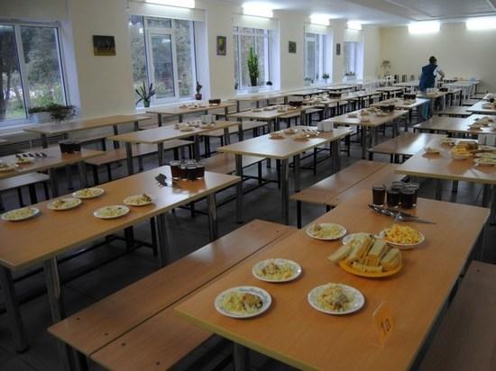 В Екатеринбурге разгорается конфликт вокруг питания бедных и богатых детей