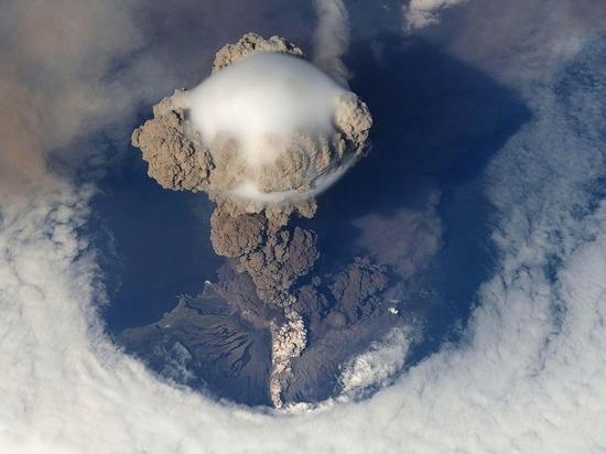 Этот вулкан расположен на Ио