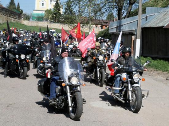 «Ночные волки» в Серпухове открыли мотосезон-2017