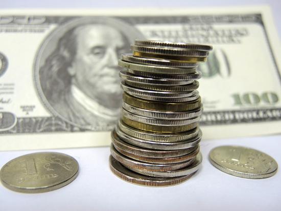 Аналитики считают, что ослабление национальной валюты аукнется в будущем