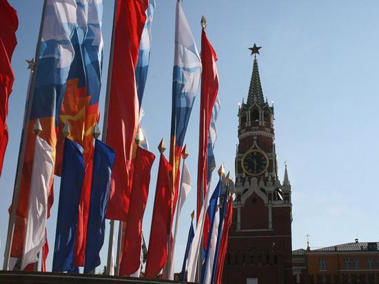 Россия уникальна тем, что повернута в прошлое