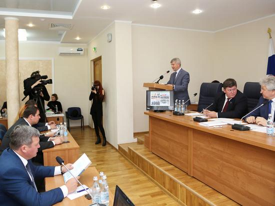 Глава Воронежа отчитался перед депутатами о работе мэрии