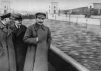 Иосиф Сталин и Лаврентий Берия стали подозреваемыми по делу о депортации крымских татар в 1944 году