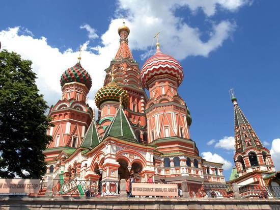 CNN увидел мусульманские мотивы в храме Василия Блаженного