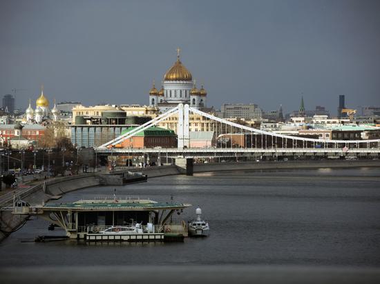 Кураев: телевидение врет про километровые очереди к мощам Николая Угодника