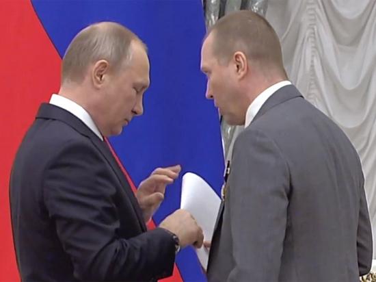 Евгений Миронов шепотом рассказал Путину о Серебренникове