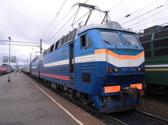 Киев решил повременить с закрытием железнодорожного сообщения с Россией