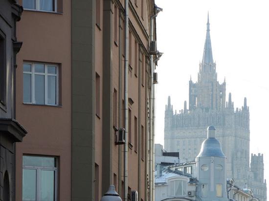 «Мягкая сила» России пугает Эстонию: почему высылают российских дипломатов