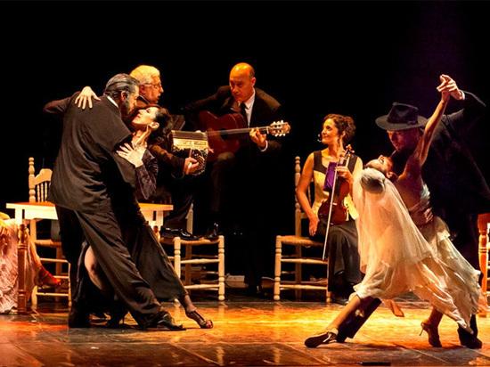 В Москве выступает всемирно известная труппа из Буэнос-Айреса «Танго Метрополис Данс Компани»