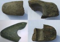 Этот человек, скорее всего, жил в 16–17-м веке, хотя сами артефакты сделаны до нашей эры