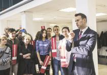 Проигрыш Алексея Навального бизнесмену Алишеру Усманову стал главным событием уходящей недели: по решению суда фильм Навального о премьер-министре должен быть удален, оппозиционер должен опровергнуть несколько своих заявлений о бизнесмене