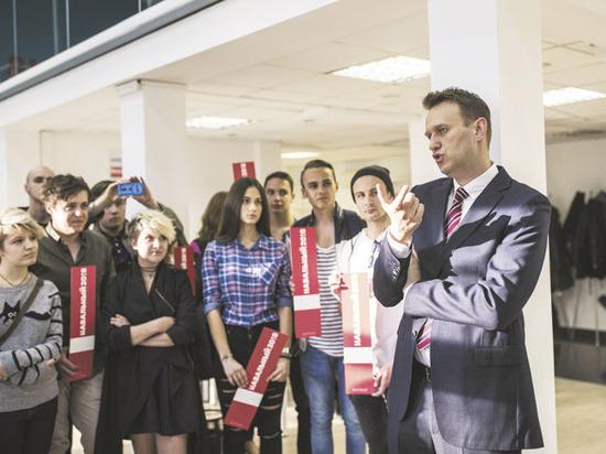 Политологи предсказали будущее Навального после проигрыша Усманову