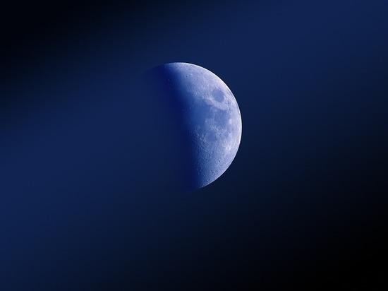 На Луне неожиданно найдены новые запасы льда
