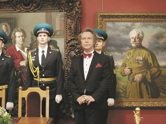 Шилов передал Москве 50 картин