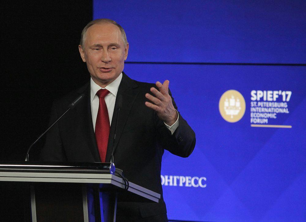 "Шутки президента: Владимир Путин ""отжигал"" на пленарном заседании ПМЭФ"