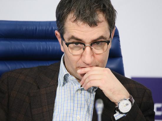 Попавший в аварию ректор ГИТИСа призвал не болтать за рулем