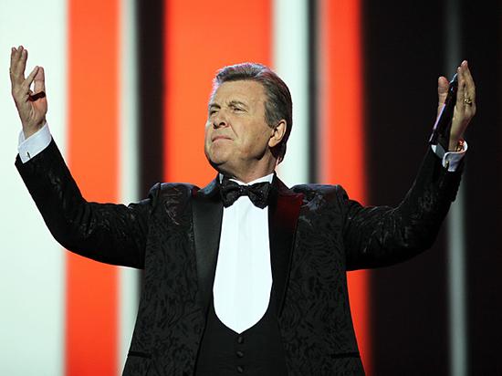 Лев Лещенко ночью спел в метро песню Александры Пахмутовой