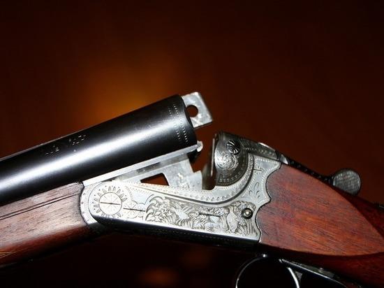 Рядом с телом в его подмосковном доме нашли ружье