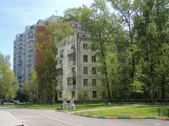Так, аферисту удалось обмануть 83-летнюю женщину и прикарманить 23 тысячи рублей