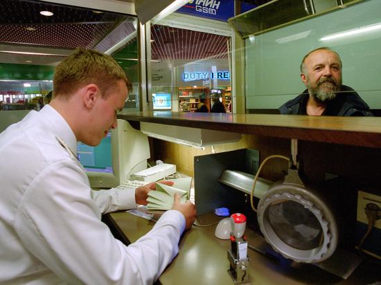 «Выстрел в ногу»: чем россияне заплатят за введение украинских виз