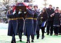 Нарушения,  связанные с оплатой похорон погибших солдат и офицеров,  вскрыли ревизоры в военкоматах