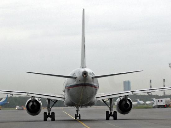 В Китае платят больше: российские авиапилоты массово уезжают в Азию