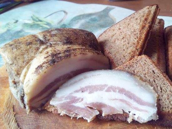 Ряд СМИ написали, что жителей Олешек накормили испорченным мясным продуктом