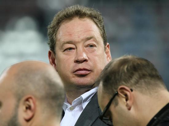 Слуцкий официально назначен главным тренером английского