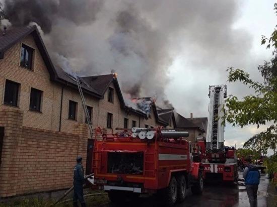Стихия уничтожила сотни квадратных метров элитного жилья.