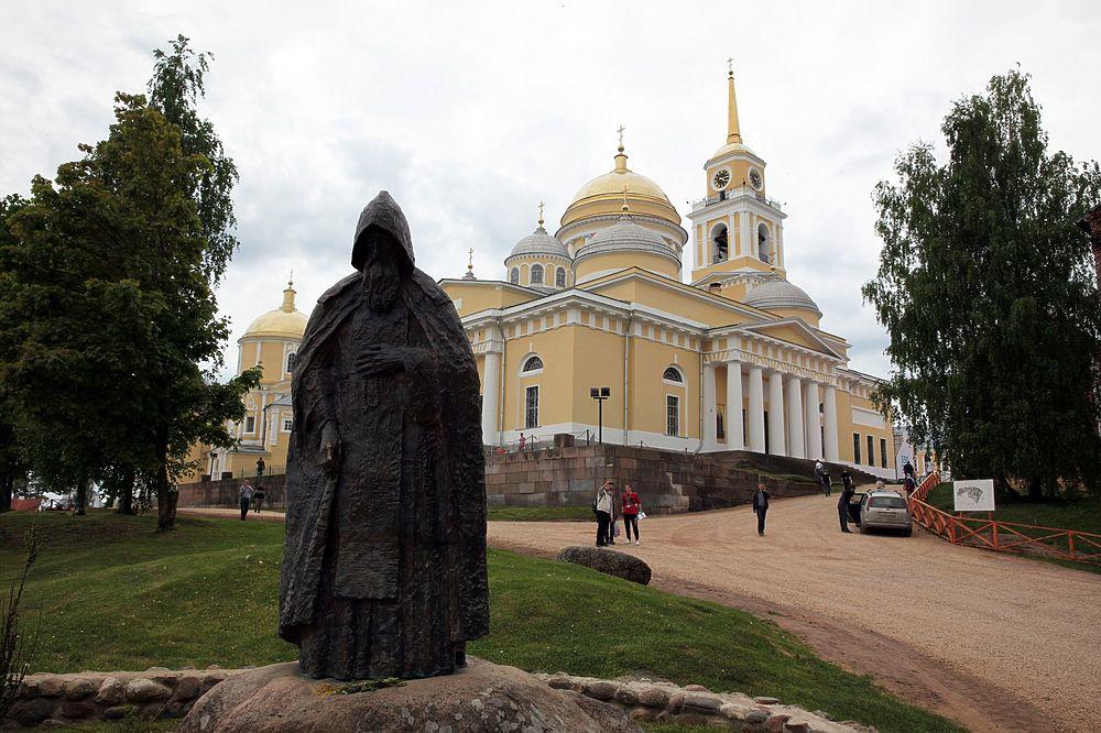 Празднование 350-летия обретения мощей святого преподобного Нила Столобенского