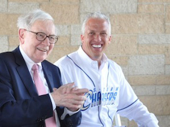 Секреты успеха Уоррена Баффета: $2,6 млн за обед с миллиардером