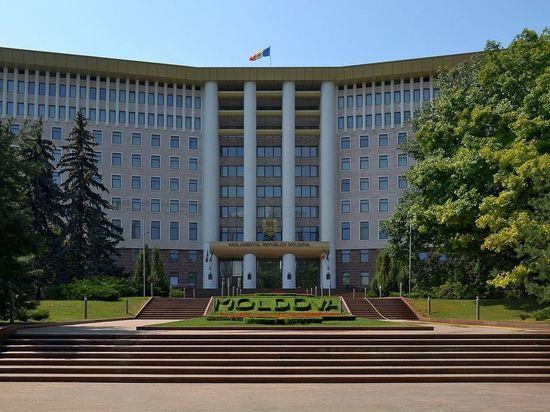 СМИ: высланные из Молдавии российские дипломаты вербовали наемников на Донбасс
