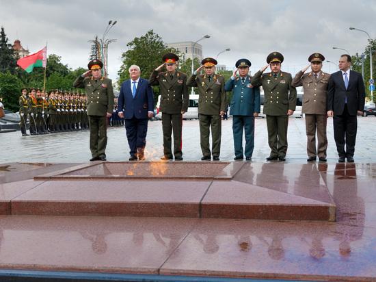 Шойгу обсудил предстоящие учения военных стран ОДКБ