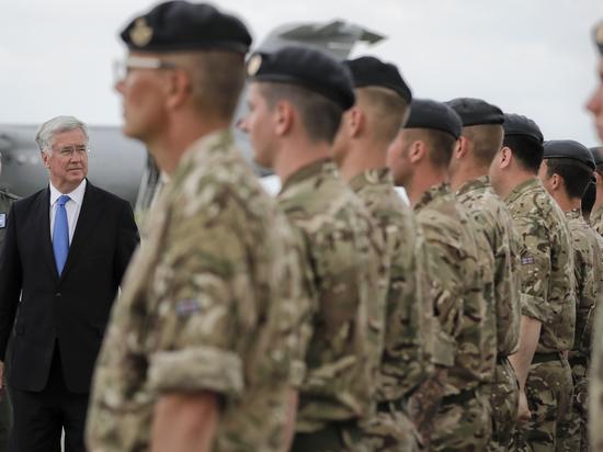 """Эксперт: """"Сомнительный комплимент политика говорит лишь о том, что он ничего не понимает в военном деле"""""""
