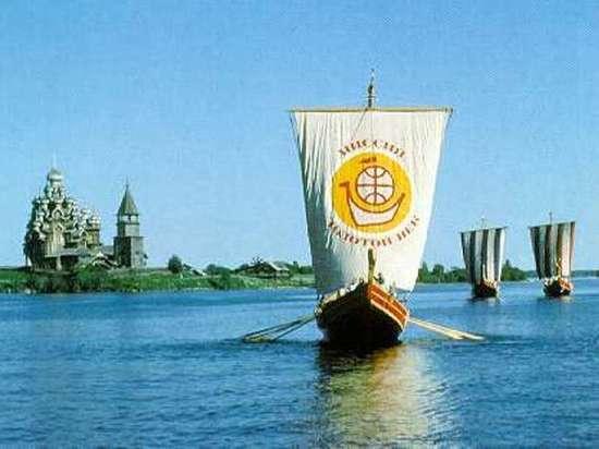 В путешествие «полярные Одиссеи» отправились на трех деревянных беспалубных суденышках