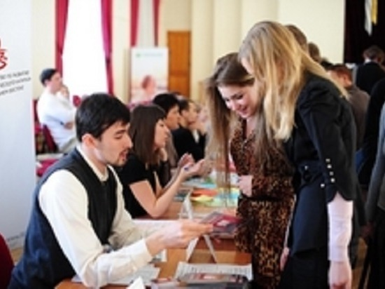 Сахалинские школьники выбрали профессии на лето